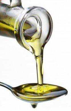 karafa s olejem a žluknutí oleje